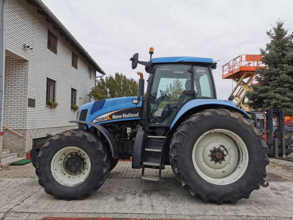 traktor new holland polovan
